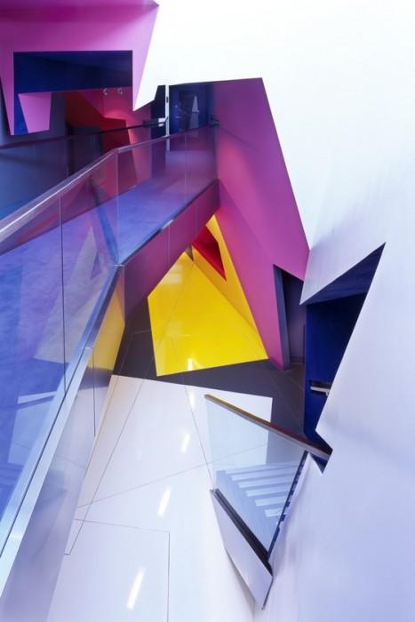 อาคารรูปทรงซิกแซก เส้นสาย และสีสัน...a feast for the senses 13 - centre for film and visual media