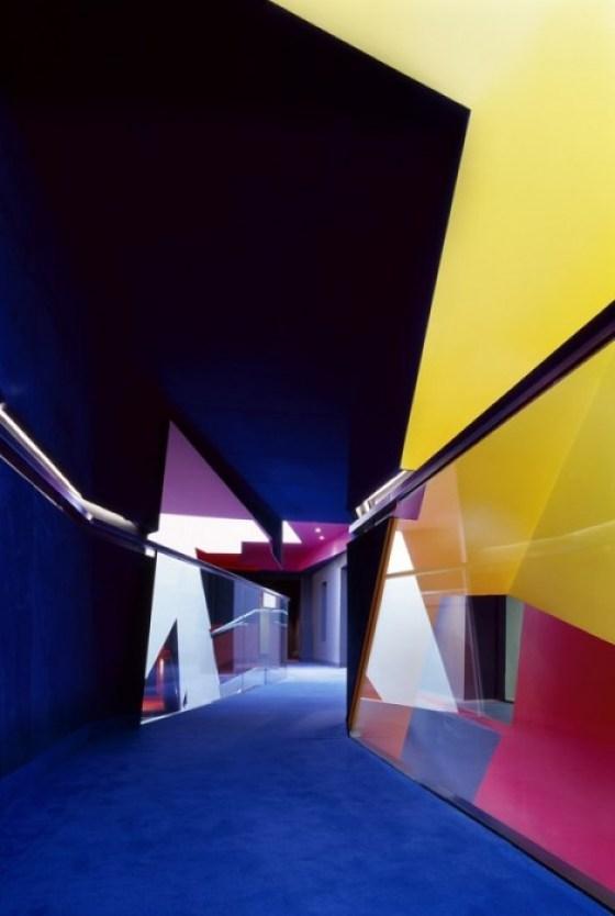 Surface Birkbeck 06 อาคารรูปทรงซิกแซก เส้นสาย และสีสัน...a feast for the senses