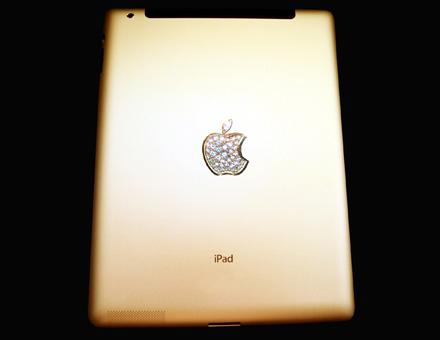 """ipad 2 gold hist rear iPad 2 Crystal Gold Edition """"ไอแพด 2 แพงที่สุดในโลก"""" เครื่องละ 246 ล้านบาท"""