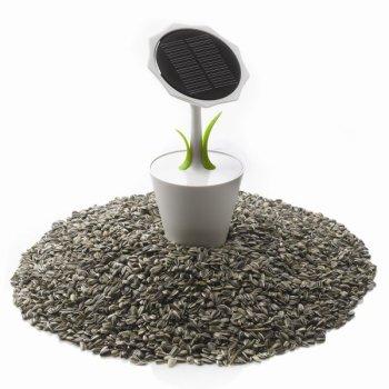 solarflower 2 350x350 Solar Sunflower – sun energy charger in a flowerpot