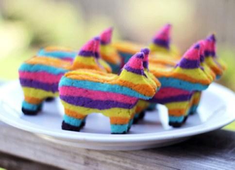 Cinco de mayo pinata cookies feature image 484x350 Cookies with a surprise วันหยุดยาวนี้มาทำคุกกี้แสนเก๋กันเถอะ