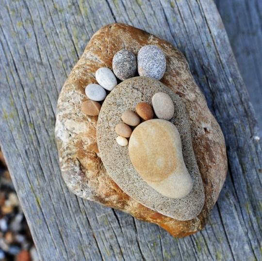 รอยเท้าจากก้อนหิน..โดย Iain Blake 22 - foot prints