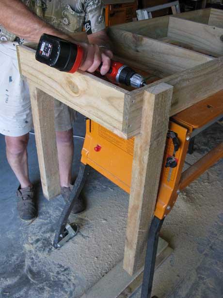 saladbench5 DIY: Garden Bench ลิ้นชัก กระถางใบใหม่ของเหล่าต้นไม้และพืชพรรณขนาดเล็ก