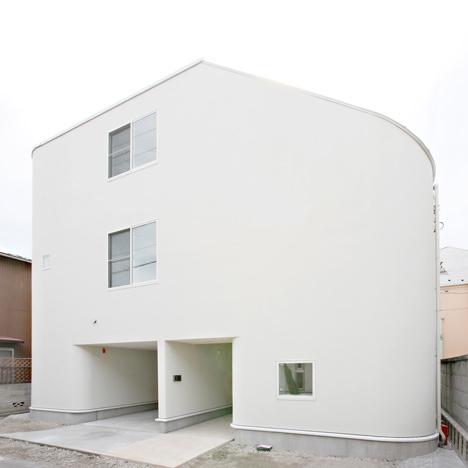 """25550618 164628 บ้านนี้มีไม้ลื่นรอบบ้าน แทนบันได... """"House with SLIDE"""""""