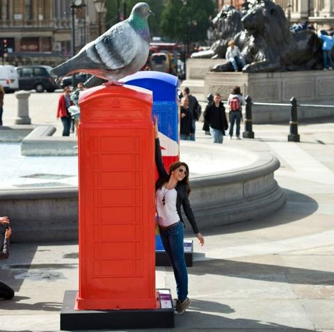 25550620 231052 นิทรรศการงานศิลปะกลางแจ้ง จากตู้โทรศัพท์สาธารณธะของอังกฤษ..นับถอยหลังโอลิมปิค