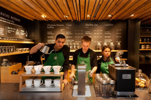 The Bank Starbucks Amsterdam 10 525x350 New Starbucks Concept Store: Starbucks โฉมใหม่