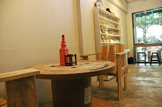 ikl 527x350 ชั้น ๑ คาเฟ่ แอน เบ๊ด Cafe&Beds เชียงใหม่