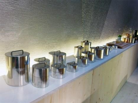 kaikado's tea container งานฝีมือชาวญี่ปุ่นที่สืบทอดจนถึงรุ่นที่หก อนุรักษ์ศิลปวัฒนธรรมที่ควรเอาเป็นแบบอย่าง  25 - brass