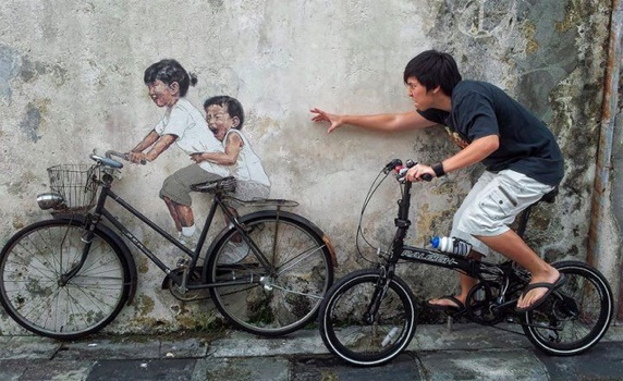 25550702 142718 Interactive Painting..ภาพเขียน street art ที่ดึงให้คนมีส่วนร่วม