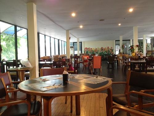 ชมสวน... 'อร่อยครบเครื่อง สไตล์ครัวบ้าน' ของพี่ปุ๊ อัญชลี  15 - ร้านอาหารไทย