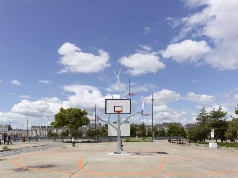 cf050986photo s.chalmeau non libre de droits 467x350 Basket tree in Nantes, France ห่วงบาสหลายระดับในหนึ่งเดียว
