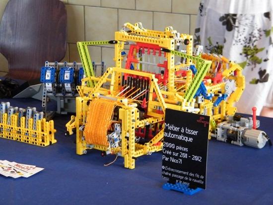 25550805 150441 เครื่องทอผ้าจาก Lego