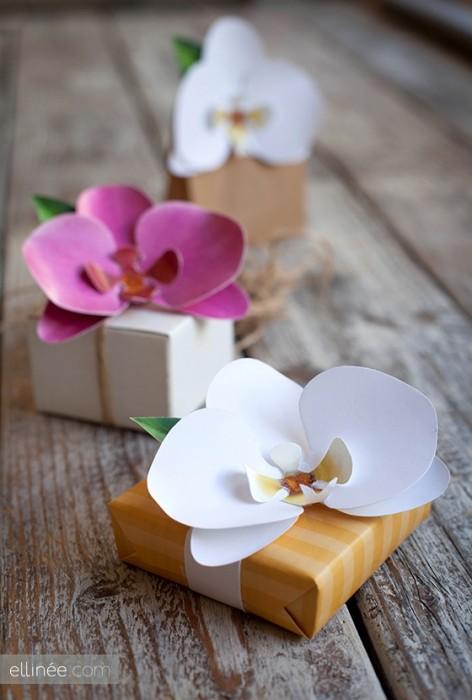 DIY และเทมเพลท ดอกกล้วยไม้กระดาษ  ไว้ติดห่อของขวัญ 13 - DIY