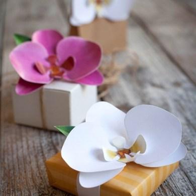 DIY และเทมเพลท ดอกกล้วยไม้กระดาษ  ไว้ติดห่อของขวัญ 14 - DIY