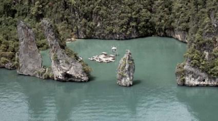 cine05 425x236 Floating cinema โรงหนังลอยน้ำที่เกาะยาวน้อย