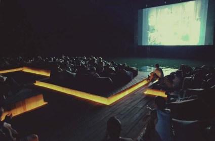 cine11 425x279 Floating cinema โรงหนังลอยน้ำที่เกาะยาวน้อย