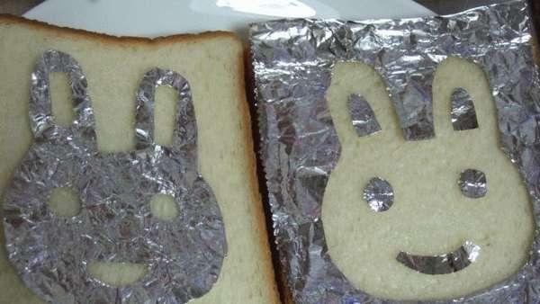 25551017 100437 DIY สร้างสรรค์ภาพการ์ตูนบนขนมปัง..ง่ายๆจากฟลอยห่ออาหาร