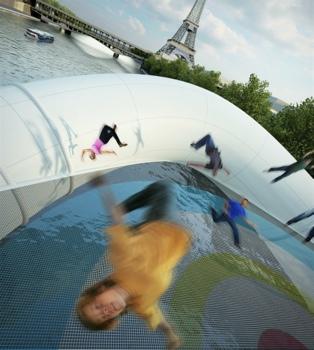 25551019 232709 บิน และโดดข้ามแม่น้ำด้วยTrampoline bridge ในปารีส