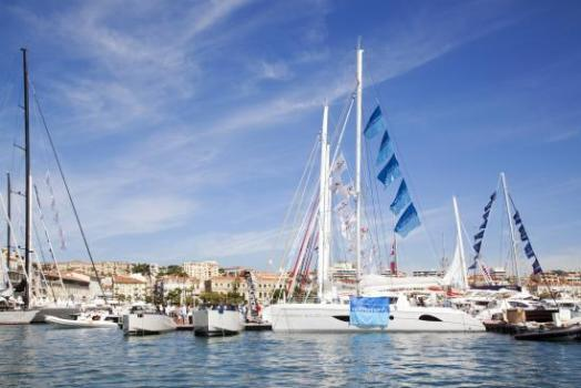 550 mg3199 9792 524x350 Cannes Boat Show เทสกาลอวดเรือยอชท์ ที่เมืองคานส์