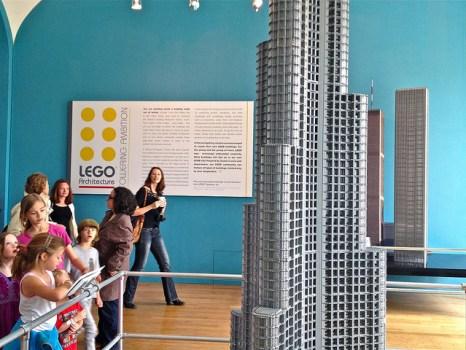 6890513248 5707d74879 z 466x350 Towering Ambition By LEGO เลโก้กับความคิดสร้างสรรค์ดีๆทางสถาปัตยกรรม