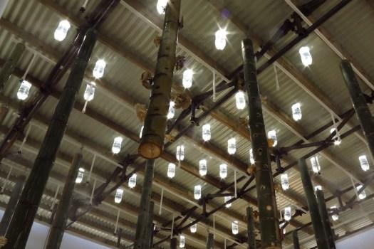 หลอดไฟจากขวดน้ำพลาสติก... 16 - Sustainable design