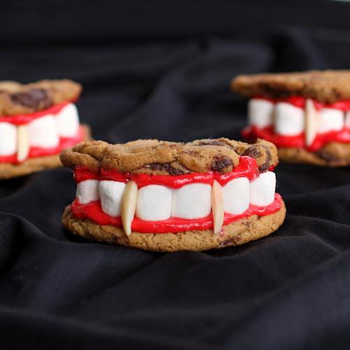 dracula dentures set D.I.Y.คุ้กกี้ฟันแด๊กคูล่า...สยดสยองน่าทานมั่กๆ...