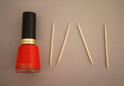 revlon2 425x294 DIY.drippy nail ต้อนรับฮาโลวีน