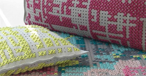 25551103 181757 Everything stitching XO...ตกแต่งด้วยลายปัก xo
