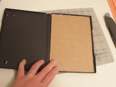 25551123 180522 DIY กล่องดินสอสี จากกล่อง DVD เก่า