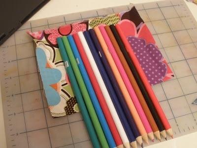25551123 180733 DIY กล่องดินสอสี จากกล่อง DVD เก่า