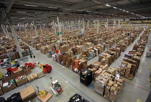25551130 175149 มีอะไรใน Amazons Warehouse