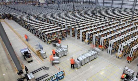25551130 175207 มีอะไรใน Amazons Warehouse