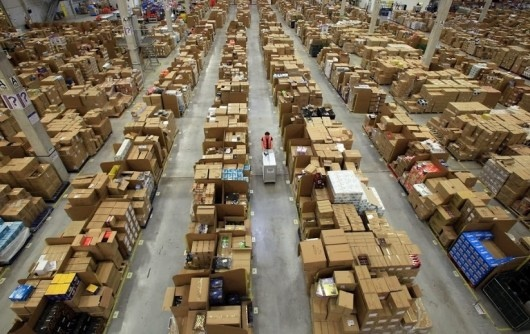 25551130 175218 มีอะไรใน Amazons Warehouse