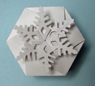 25551215 204326 DIY และเทมเพลท กล่องของขวัญ snowflake