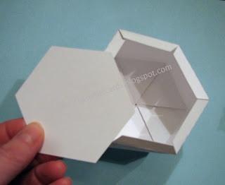 25551215 204332 DIY และเทมเพลท กล่องของขวัญ snowflake