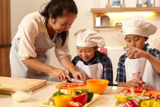 MG 1895 525x350 ห้องเรียนสอนทำอาหารแสนสนุก Play Chef