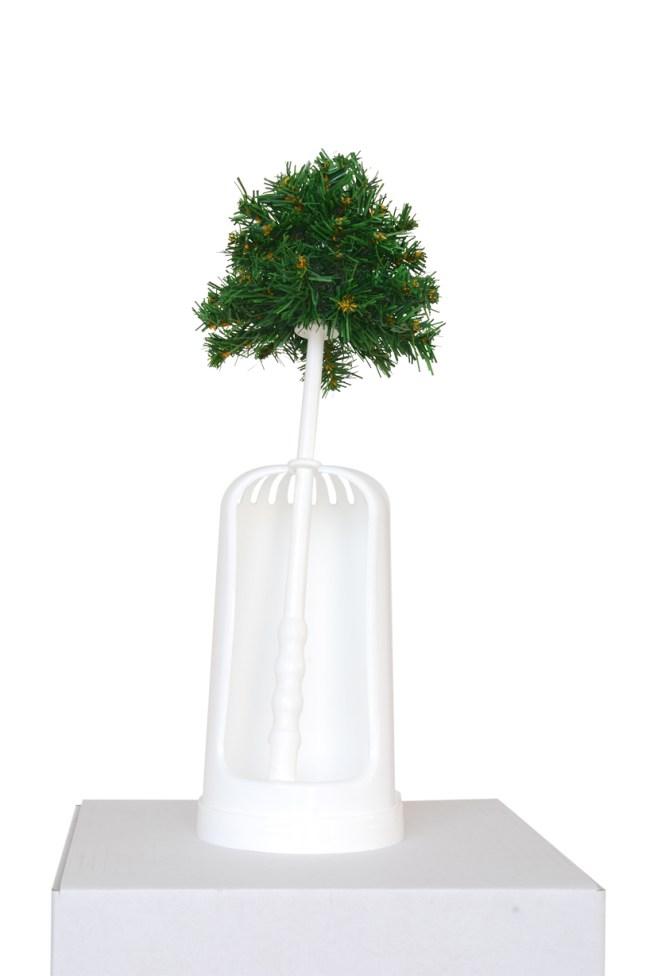 christmas tree7 650x976 Christmas Trees ความหมายของต้นคริสมาสต์ พร้อมชมต้นคริสมาสต์ที่ออกแบบจากศิลปิน