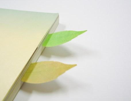 leaf bookmark03 456x350 กระดาษโพสต์ อิท ที่ร่วงโรย Cherry blossom memo stickers by appree