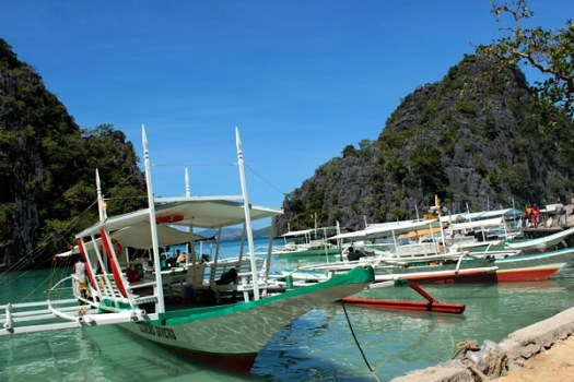 our boat 525x350 Coron Island, Palawan, Philippines (Chapter 3)