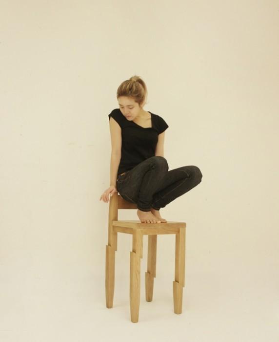 25560130 190054 Samurai Chair...เก้าอี้ถูกฟันด้วยดาบซามูไร ..จะนั่งได้มั๊ยเนี่ย??