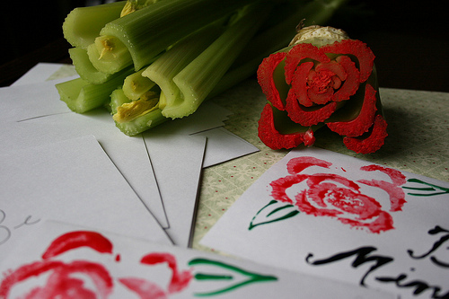 5405582154 7e07f2885c DIY สร้างภาพสวยๆ จากผักในครัว..ง่ายมากกก...