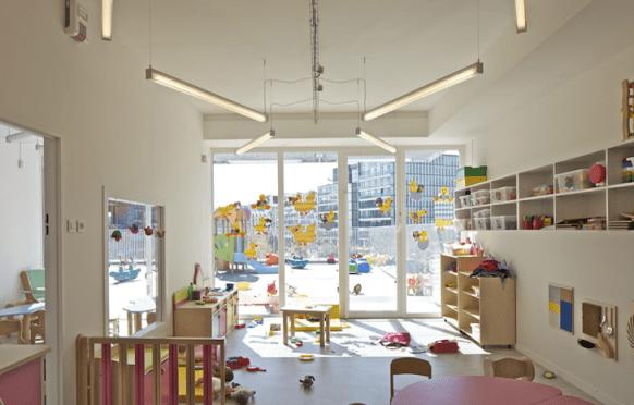 Giraffe-Childcare-Center-by-Hondelatte-Laporte-Architectes-13