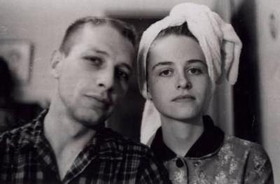 Screen shot 2009 11 16 at 12.13.29 PM My Parents Were Awesome เว็บไซต์ที่ให้บรรดาลูกๆส่งรูปคุณพ่อคุณแม่สมัยยังหนุ่มยังสาวมาประชันกัน