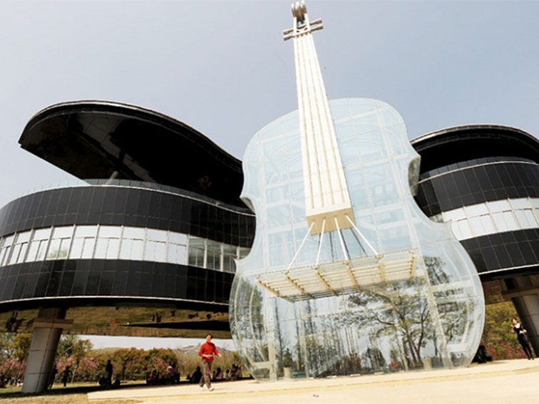 25560415 231603 Piano House in Huainan..ตึกนี้สำหรับคนรักดนตรี