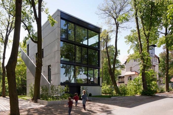 25560503 170214 Modern House..เชื่อมต่อภายนอกและภายในด้วย..คอนกรีต กระจกใส ไม้ และหิน