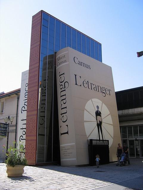 25560506 142346 City of Books..เมืองของคนรักหนังสือ และศิลปะ