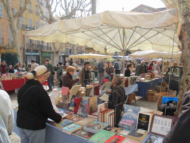 25560506 144008 City of Books..เมืองของคนรักหนังสือ และศิลปะ