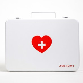 อกหักรักษาได้.. LOVE HURTS ชุดปฐมพยาบาลเบื้องต้นของคนอกหัก 22 - aids