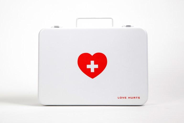 อกหักรักษาได้.. LOVE HURTS ชุดปฐมพยาบาลเบื้องต้นของคนอกหัก 19 - DESIGN