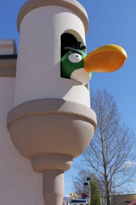 bird 450x675 และโลกของ Angry Birds Land ก็เกิดขึ้นจริงในโลกมนุษย์